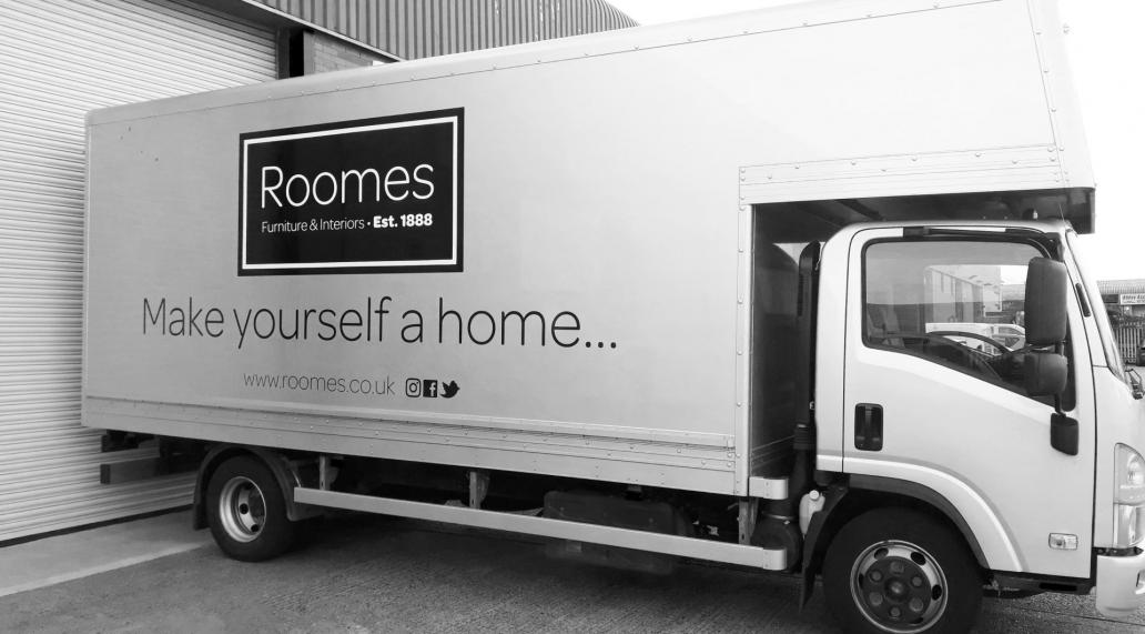 roomes-delivery-van