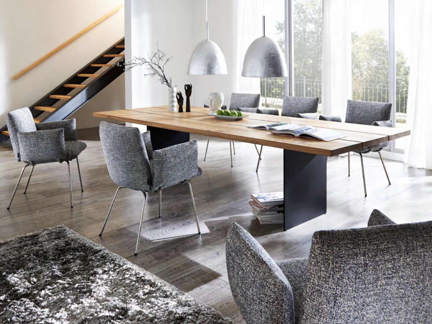 venjakob-dining-furniture-with-silver-light-shades