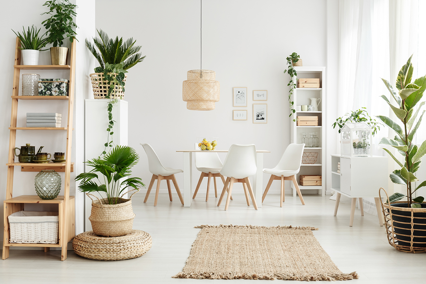 dining-area-that-is-white